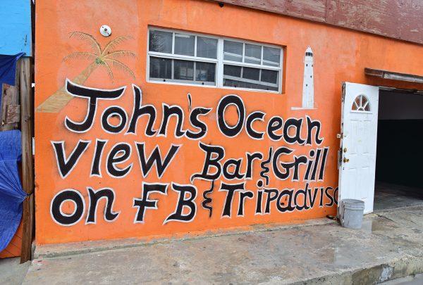 'Johns Ocean View Bar', Grand Turks
