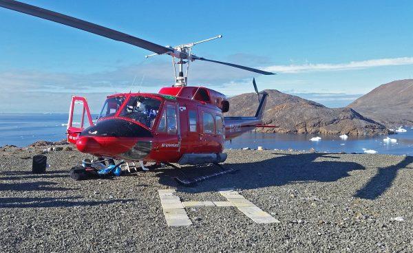 Air Greenland auf dem Heliport von Nuussuaq