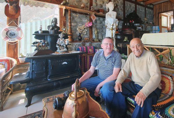 Julio und Zinni in seinem Haus in Casablanca