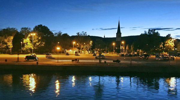 Abenddämmerung auf der Fahrt von Wertheim nach Würzburg