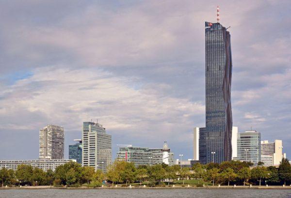 Der Turm 1 der DC Towers in Wien