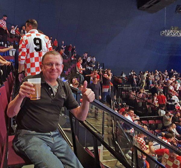 Zinni schaut Deutschland - Kroatien bei der Handball EM 2020