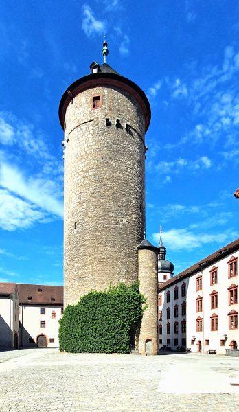 Der Bergfried der Festung Marienberg in Würzburg