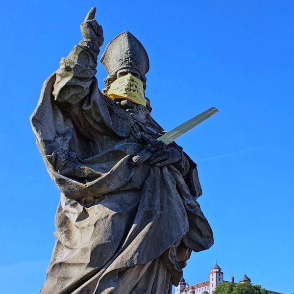 Statue auf der Ludwigsbrücke in Würzburg